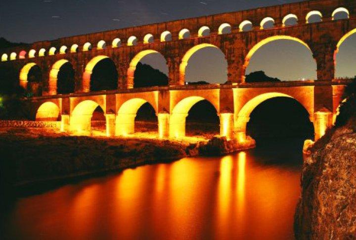 Le pont du gard d couvrir office de tourisme c ze c vennes - Office de tourisme du pont du gard ...